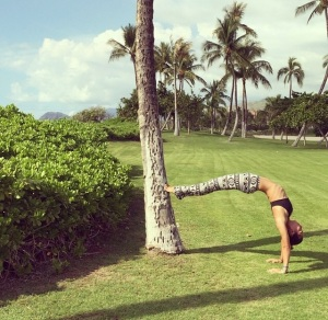 North Shore Yogini animal lover // green living // surfer girl @ettleman808